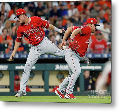 People Metal Print featuring the photograph Los Angeles Angels Of Anaheim V Houston by Bob Levey