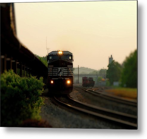 Bristol Metal Print featuring the photograph Running On Schedule by Denise Beverly