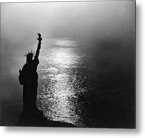 1950's Metal Print featuring the photograph The Statue Of Liberty by Underwood Archives