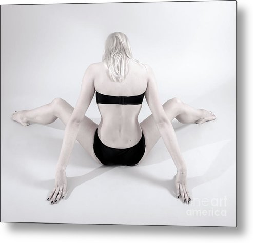 Woman Metal Print featuring the photograph Backside by Pierre-jean Grouille