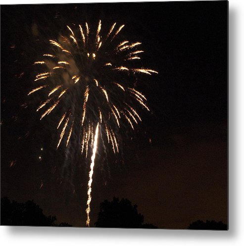 Cities Metal Print featuring the photograph Detroit Area Fireworks -6 by Paul Cannon
