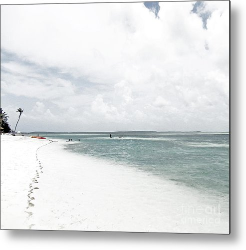 Co Co Cay Island Metal Print featuring the photograph Tide by Katherine Williams