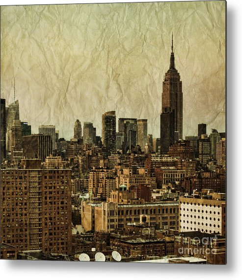 New Metal Print featuring the photograph Empire Stories by Andrew Paranavitana