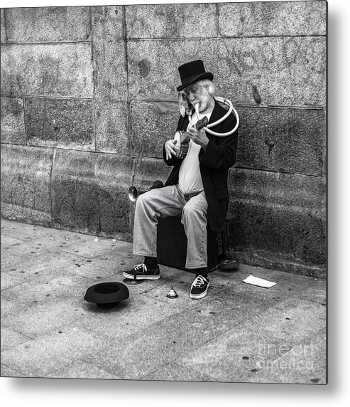Metal Print featuring the photograph Musicman by Eugenio Moya