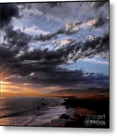 Skyscape Metal Print featuring the photograph Bringing In The Tide by Phil Huettner