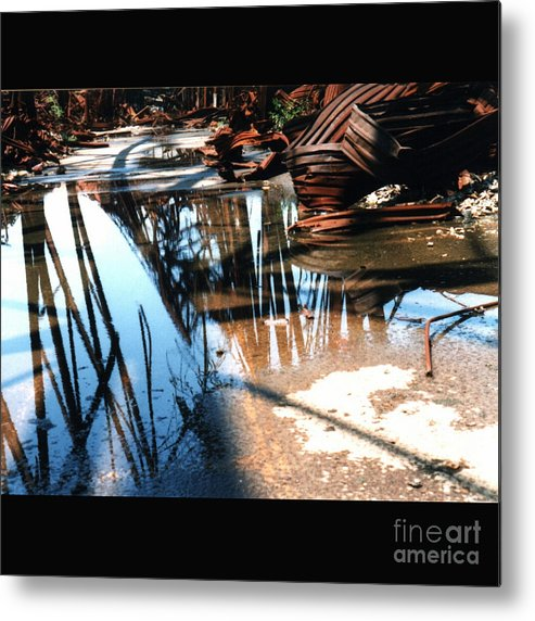 Cityscape Metal Print featuring the photograph Steel River by Ze DaLuz
