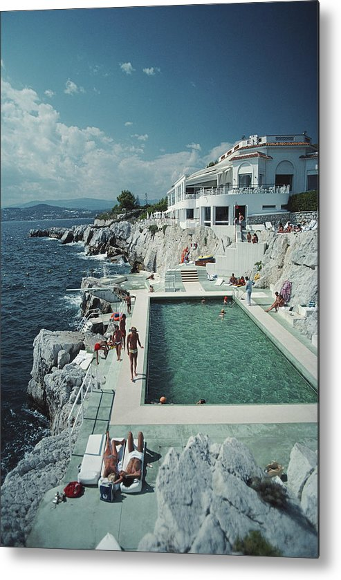 People Metal Print featuring the photograph Hotel Du Cap Eden-roc by Slim Aarons