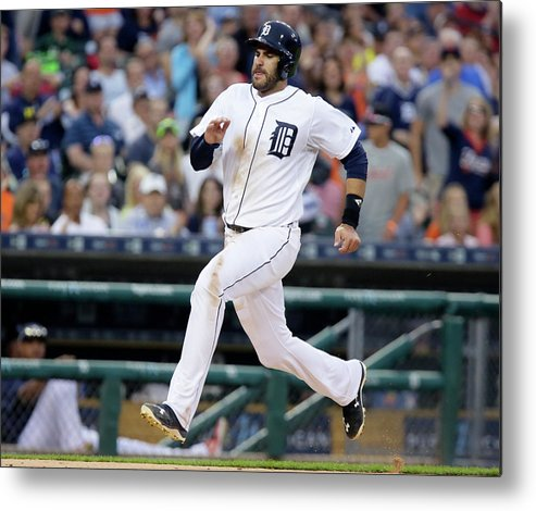 People Metal Print featuring the photograph Chicago White Sox V Detroit Tigers by Duane Burleson