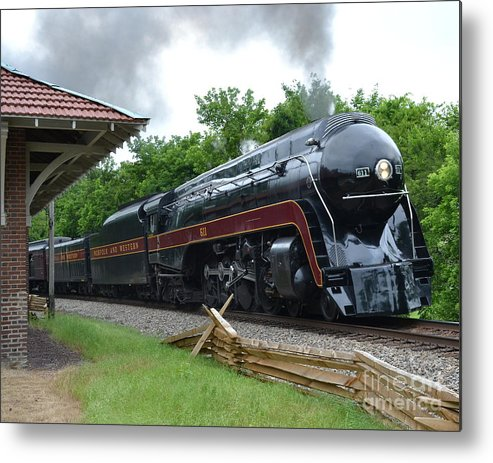 The Plains Metal Print featuring the photograph 611 Eastbound at The Plains by Steve Gass