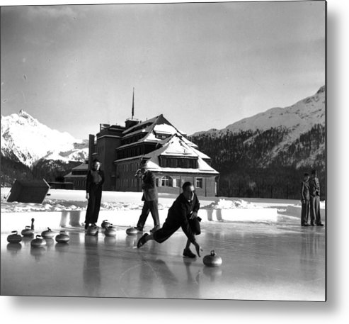 Recreational Pursuit Metal Print featuring the photograph Curling At Christmas by George Konig