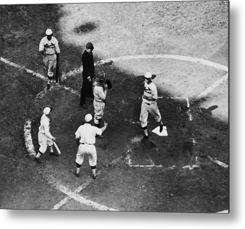 St. Louis Cardinals Metal Print featuring the photograph High & Watkins Come Home by Hulton Archive