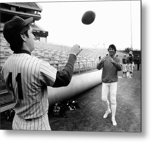 American League Baseball Metal Print featuring the photograph Mets Tom Seaver Warms Up Jets Joe by New York Daily News Archive