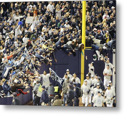 People Metal Print featuring the photograph Yankees Fans Reach Out To Touch by New York Daily News Archive