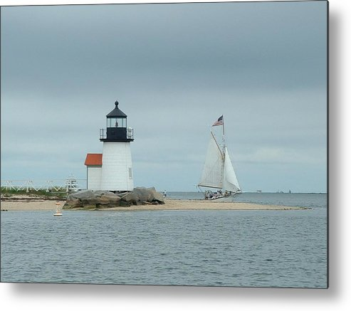 Sailboat Metal Print featuring the photograph Brant Point Abeam by Lin Grosvenor