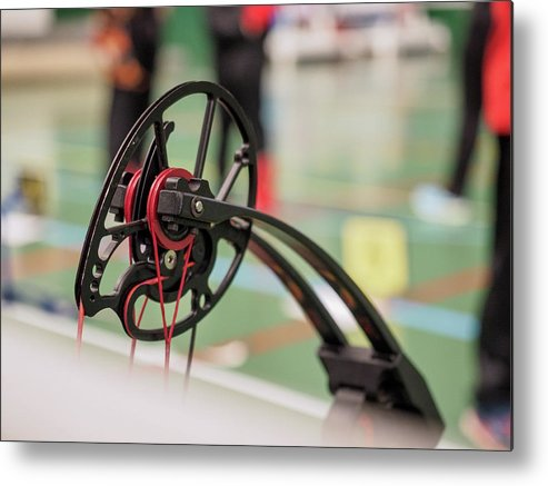 Bow Metal Print featuring the photograph Bow by Hector Lacunza