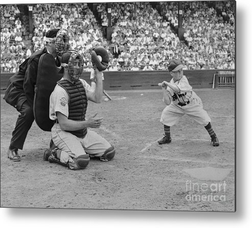 Crowd Of People Metal Print featuring the photograph Baseball Gimmick Utilizing Dwarf by Bettmann