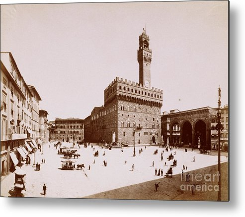 People Metal Print featuring the photograph Palazzo Vecchio In Florence by Bettmann