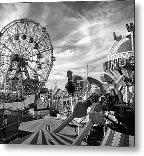 Coney Island Metal Print featuring the photograph Coney Island Wonder Wheel by Bellino