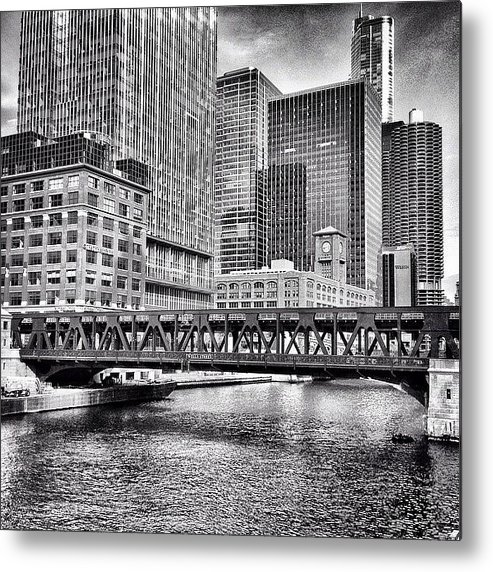 America Metal Print featuring the photograph Wells Street Bridge Chicago HDR Photo by Paul Velgos