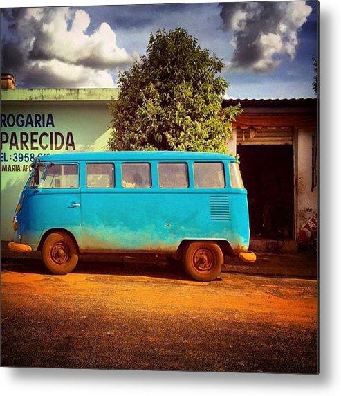 Beautiful Metal Print featuring the photograph Vw Bus - Vw Kombi - Taquaral - São by Kiko Lazlo Correia
