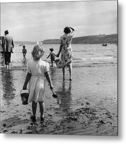 Child Metal Print featuring the photograph Scarborough Beach by Thurston Hopkins