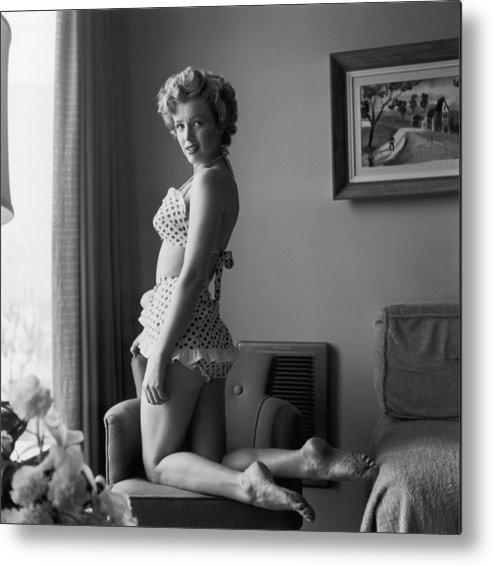 People Metal Print featuring the photograph Bikini Babe by Hulton Archive