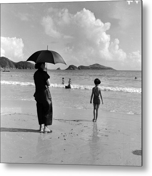 Repulse Bay Metal Print featuring the photograph Chinese Nanny by Horace Abrahams