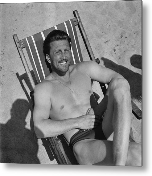 People Metal Print featuring the photograph Kirk Douglas In 1950s by Reporters Associes