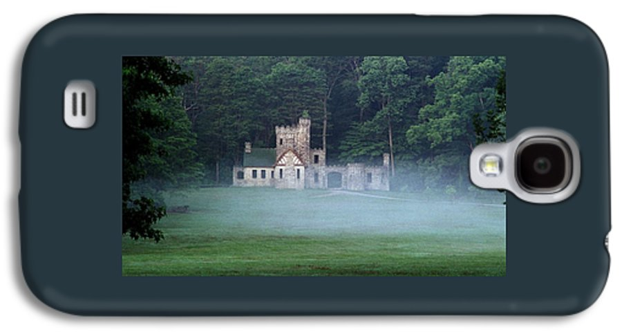 Squire Galaxy S4 Case featuring the photograph 070506-42 by Mike Davis