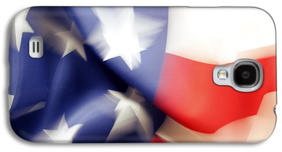 Abstract Galaxy S4 Case featuring the photograph American Flag by Les Cunliffe