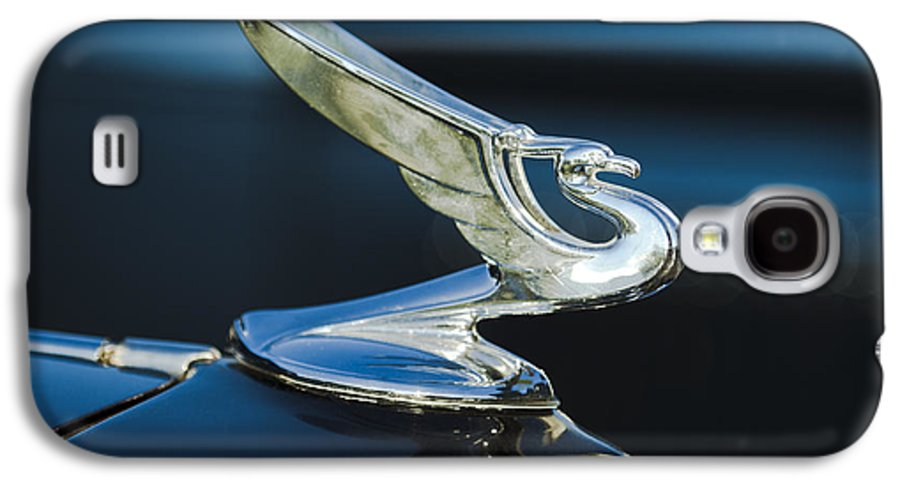 1935 Chevrolet Sedan Galaxy S4 Case featuring the photograph 1935 Chevrolet Sedan Hood Ornament by Jill Reger