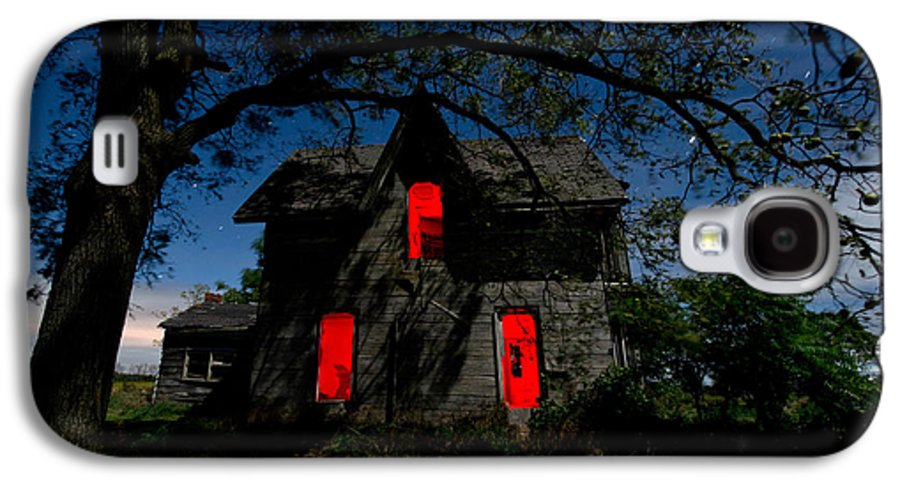 Abandoned Galaxy S4 Case featuring the photograph 3am At The Farmhouse by Cale Best