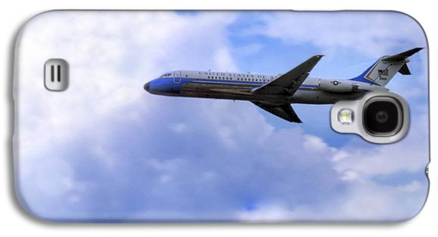 Air Force One Galaxy S4 Case featuring the photograph Air Force One - Mcdonnell Douglas - Dc-9 by Jason Politte