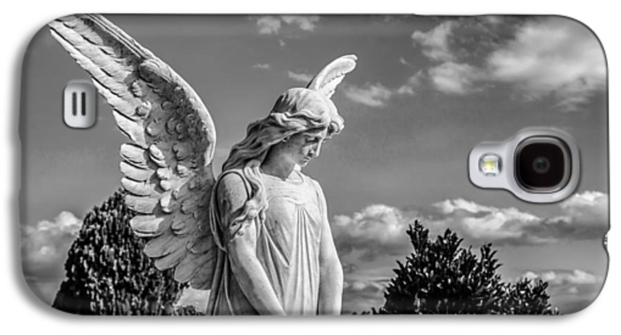 Angel Galaxy S4 Case featuring the photograph Angel At The Heredia General Cemetery by Andres Leon