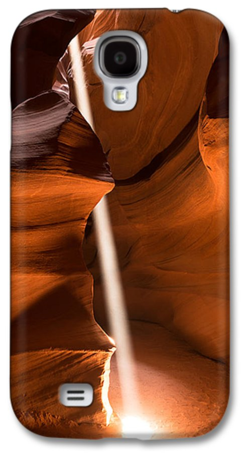 Antelope Canyon Galaxy S4 Case featuring the photograph Canyon Sunbeam 2 by Domenik Studer