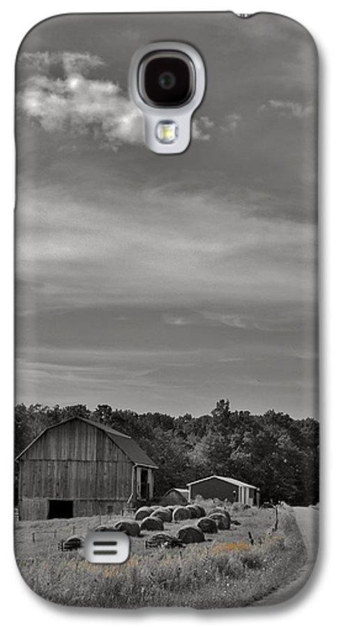 Chillin On A Dirt Road Galaxy S4 Case featuring the photograph Chillin On A Dirt Road by Anthony Thomas