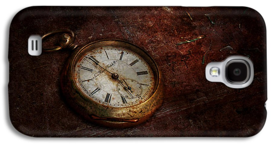 Clockmaker Galaxy S4 Case featuring the photograph Clock - Time Waits by Mike Savad