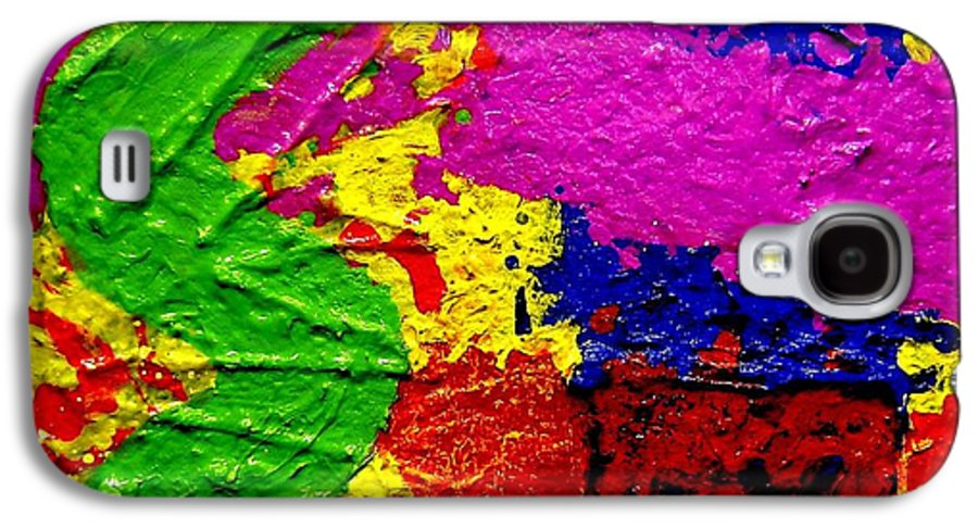 Abstract Galaxy S4 Case featuring the painting Continuum by John Nolan