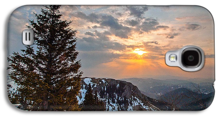Landscapes Galaxy S4 Case featuring the photograph Fresh Morning by Davorin Mance