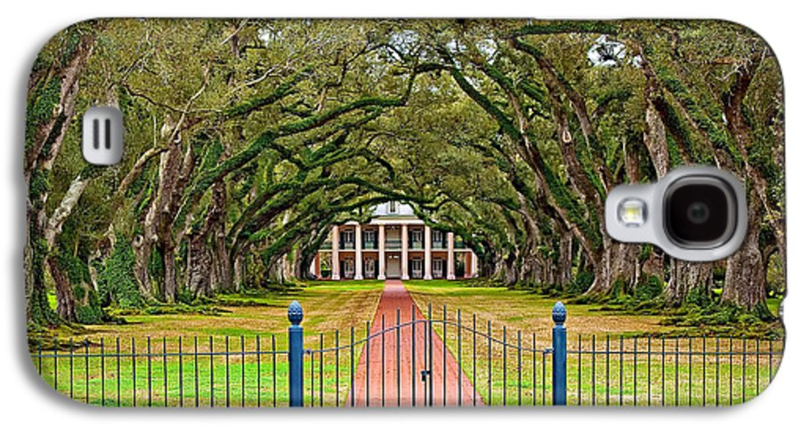Oak Alley Plantation Galaxy S4 Case featuring the photograph Gateway To The Old South by Steve Harrington