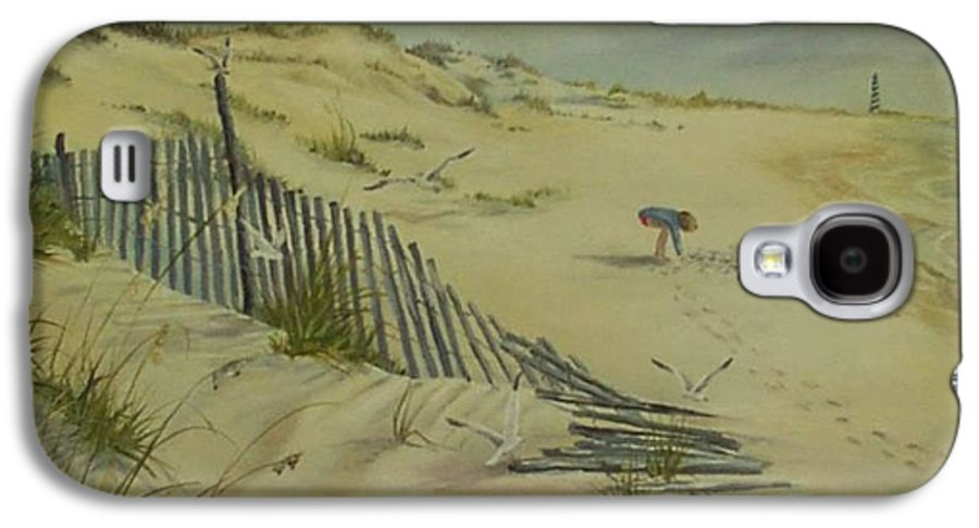 Seascape Galaxy S4 Case featuring the painting Gathering Seashells by Wanda Dansereau