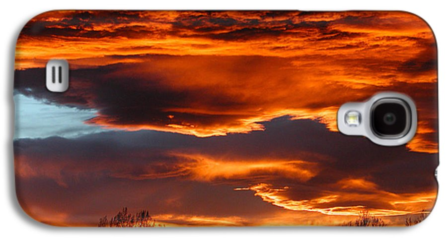 Fort Collins Galaxy S4 Case featuring the photograph Halloween Sunset by Tim Nielsen