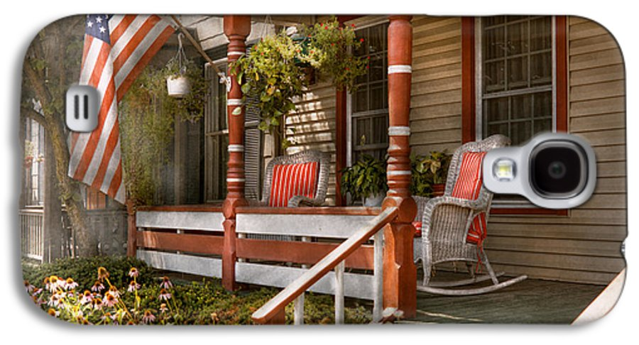 Porch Galaxy S4 Case featuring the photograph House - Porch - Traditional American by Mike Savad