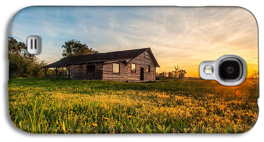 Landscapes Galaxy S4 Case featuring the photograph Little House On The Prairie by Davorin Mance