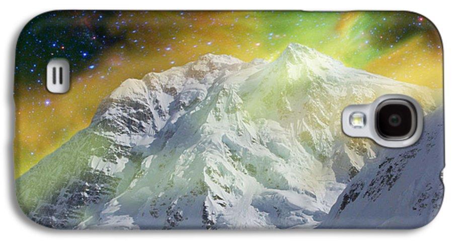 Alaska Galaxy S4 Case featuring the photograph Mt. Hunter Aurora # Da 129 by Dianne Roberson