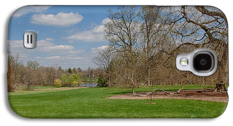 Elm Galaxy S4 Case featuring the photograph Old Elm Haverford College by Kay Pickens