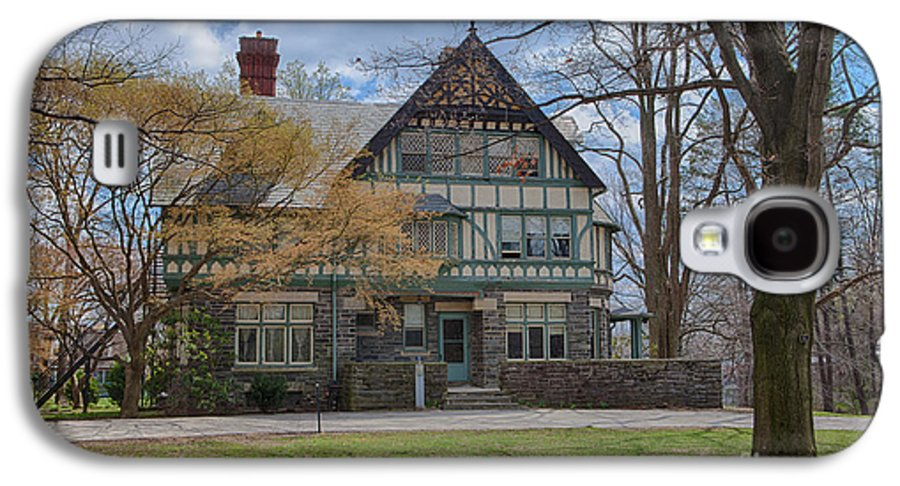 Haverford College Galaxy S4 Case featuring the photograph Old House On Haverford Campus by Kay Pickens
