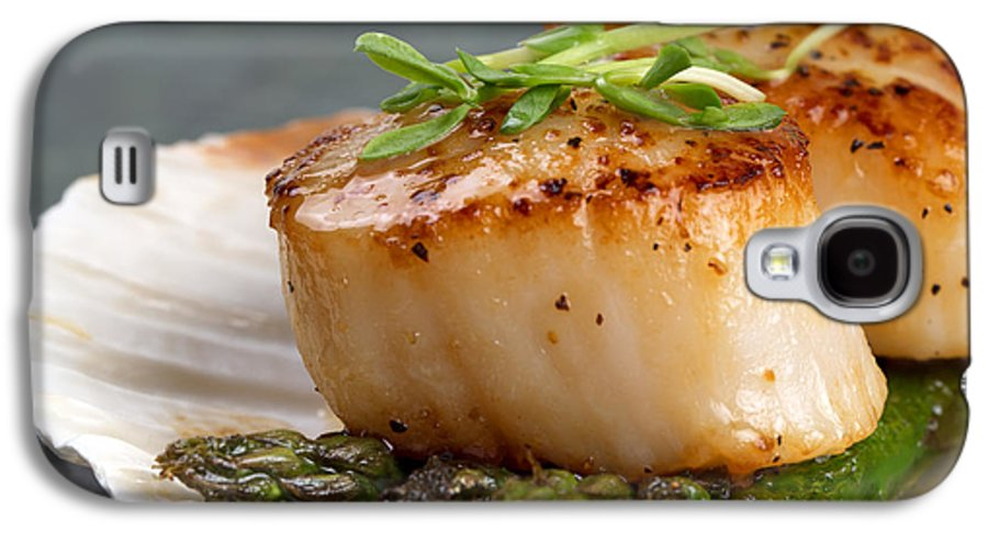 Appetizer Galaxy S4 Case featuring the photograph Seared Scallops by Jane Rix