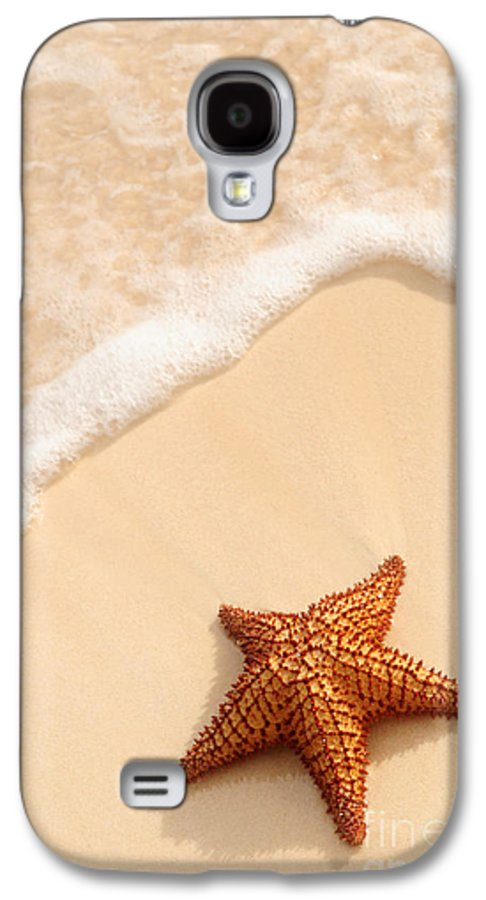 Starfish Galaxy S4 Case featuring the photograph Starfish And Ocean Wave by Elena Elisseeva
