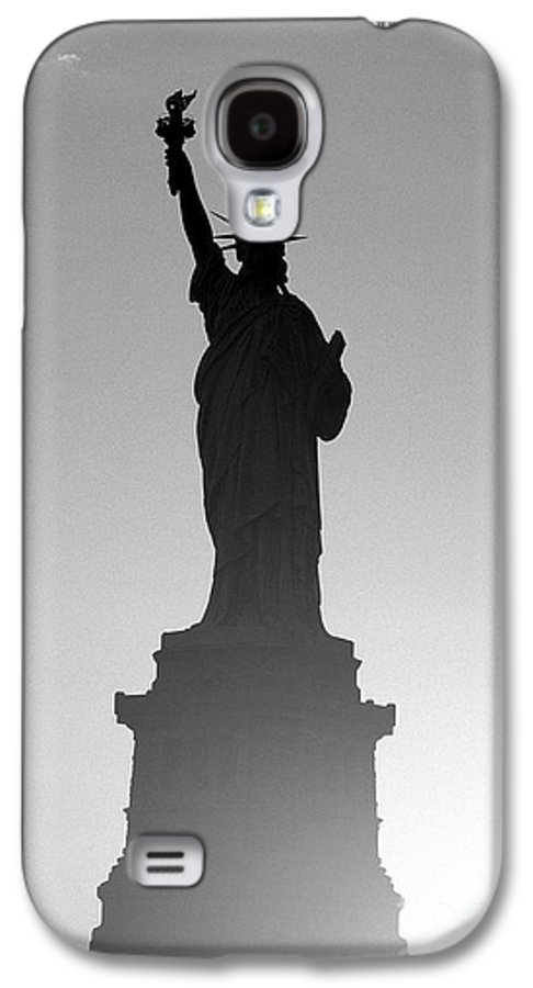 Statue Of Liberty Galaxy S4 Case featuring the photograph Statue Of Liberty by Tony Cordoza